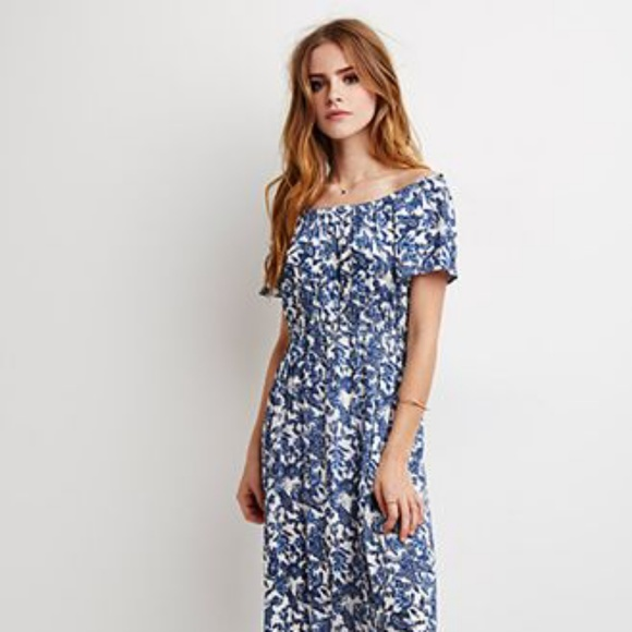 86ccca9b325a5 Forever 21 Off The Shoulder Paisley Maxi Dress